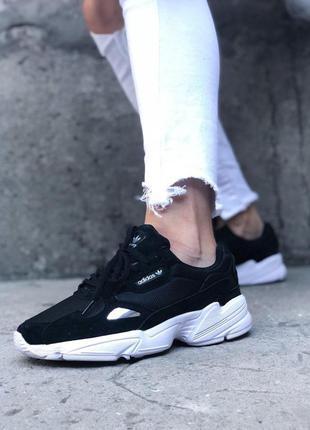 Adidas falcon black white стильные кроссовки
