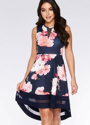 Красивое платье в принт цветы