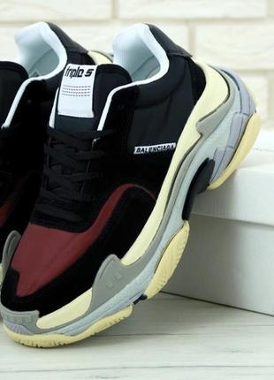 Cтильные кроссовки balenciaga triple s