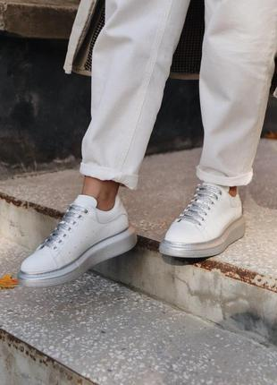 Cтильные кроссовки alexander mcqueen white silver