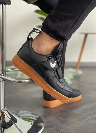 Cтильные кроссовки nike air force 1 utility black gum