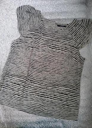Черно-белая кофточка