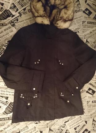 Куртка с меховые капюшоном