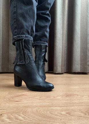 Шкіряні ботінки на каблуку/ кожаные полусапожки
