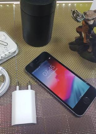 Apple iPhone 5s 16Gb. ( NeverLock ). Гарантия от магазина.!