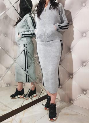Женский шерстяной костюм с юбкой 1206