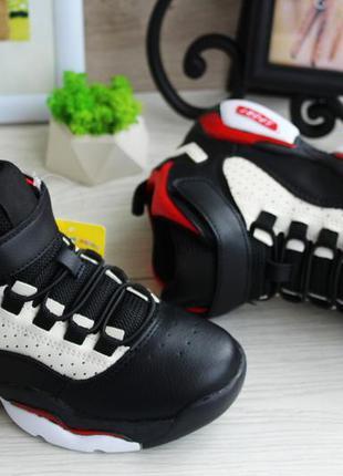 Высокие стильные кроссовки для мальчика