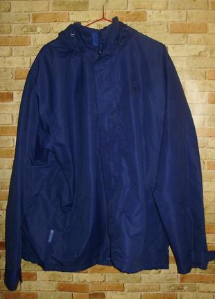 Фирменная мужская водонепроницаемая куртка ветровка размера xl...