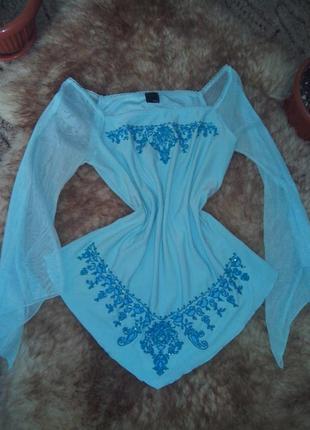 Нежная блузочка с вышивкой бисером и паетками от style