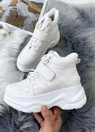 Белые ботинки на платформе,демисезонные белые ботинки на липуч...