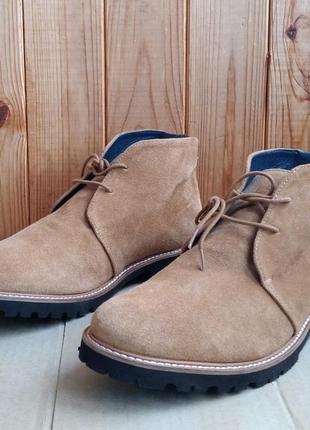 Шикарные полностью кожаные легкие стильные итальянские ботинки...