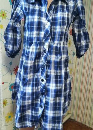 В модную клетку платье-рубашка с рукавчиками трансформерами от...