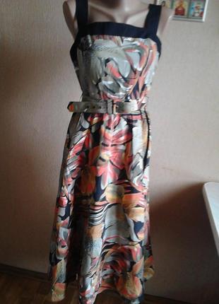 Платье с поясом и юбкой фасона солнце-клёш из натуральной ткани