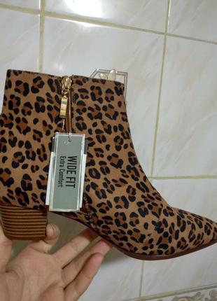 Новые ботиночки полусапожки леопар принт на широкую ножку 39 р...