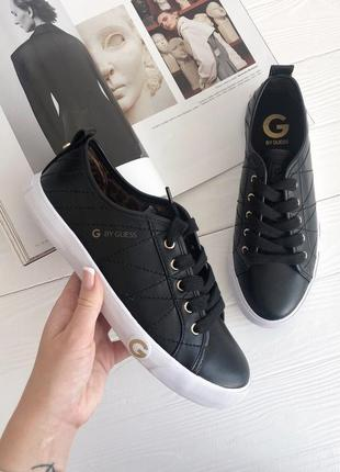 Крутые кроссовки g by guess