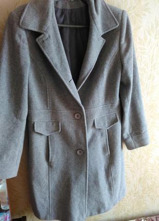 Качественное шерстяное пальто mana