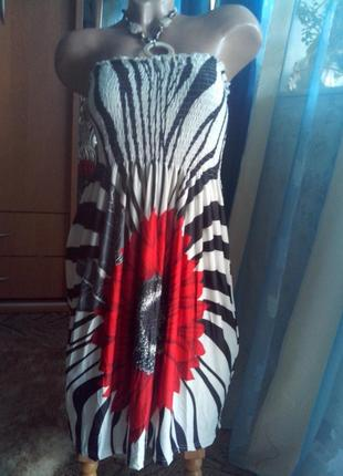 Летнее платье-сарафан с ярким цветком