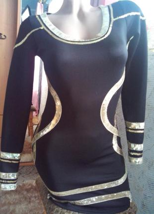 Чёрное платье-мини