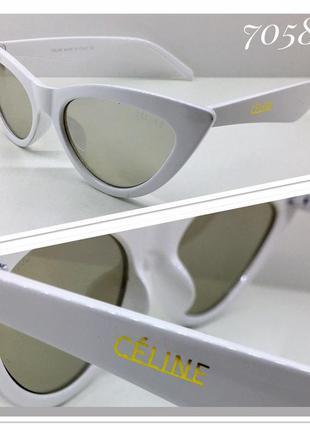 Стильные очки лисички в белой оправе