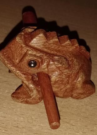 Статуэтка деревянная музыкальная жабка