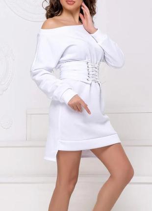 Теплое платье на флисе с корсетом