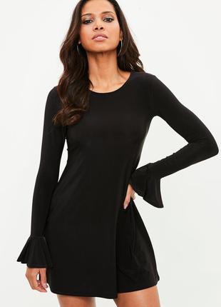 Черное платье трапеция с расклешенными рукавами missguided