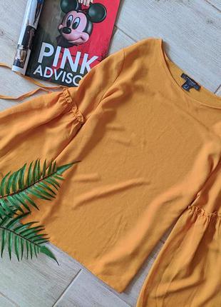 Красивая блуза блузка желто гарячего цвета с широкими рукавами...