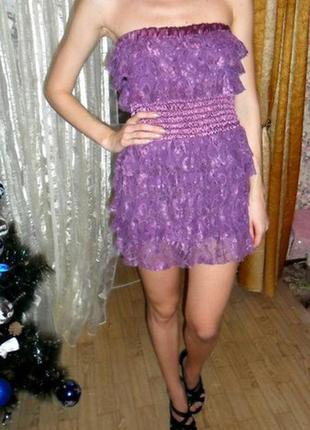 Платье в рюшу