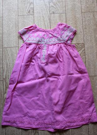 Вышитое платье benneton 9-12 мес