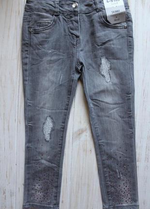 Новые джинсы denim co на 4-5лет