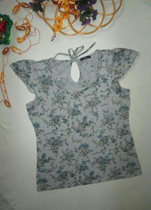 Хорошенькая стрейчевая футболка серый меланж в цветочный принт...