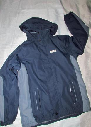 Куртка подростковая, не промокает, утепленная.
