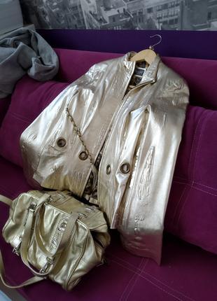 Кожанная куртка золото в наборе с кожанной сумкой золото