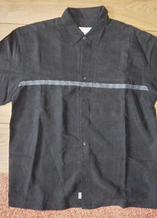 Чоловіча сорочка з вишивкою. made in hong kong
