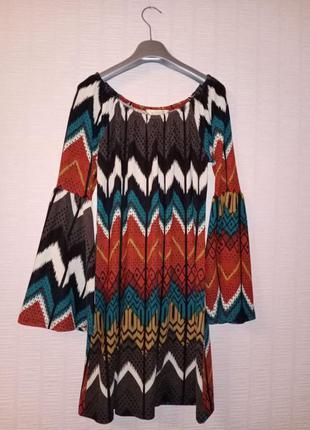 Яркая удлиненная трикотажная туника платье в стиле бохо
