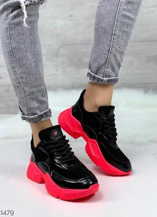Стильные яркие кроссовки из натуральной замши и лака