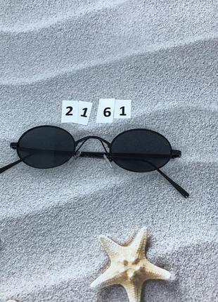 Стильные солнцезащитные очки с черными линзами к. 2161