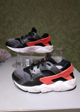 Nike кроссовки детские на мальчика 33р