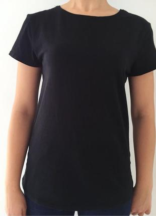 Футболка, базовая черная футболка.