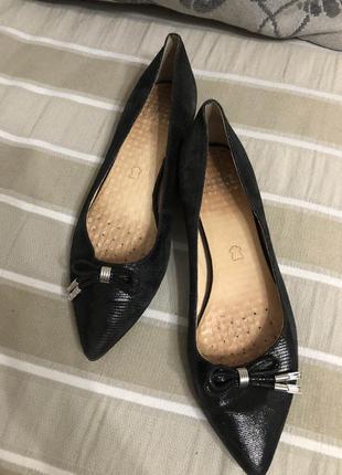 Кожаные туфли caprice!