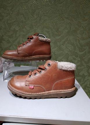 Демисезонные кожаные ботинки прошитые  kickers