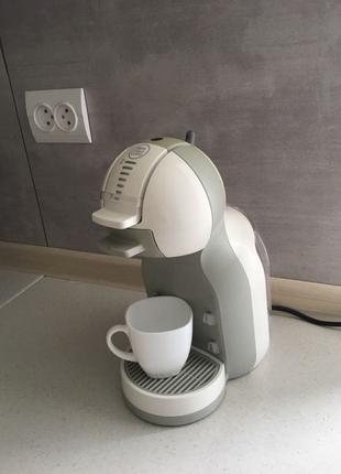 Кавоварка Nescafé.