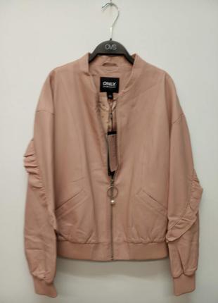 Стильная женская кожанная куртка от бренда only, дания