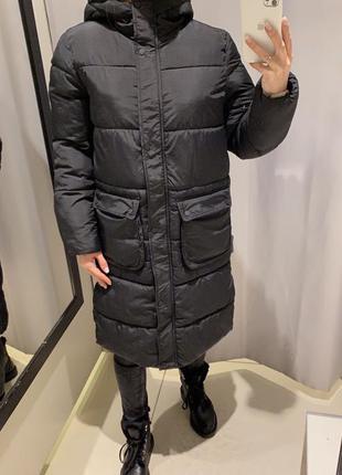 Удлиненная чёрная демисезонная куртка reserved есть размеры