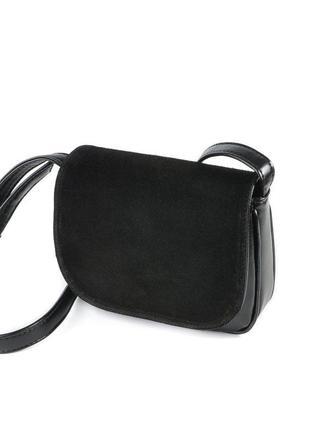 Маленькая замшевая сумка кроссбоди через плечо черная с клапаном