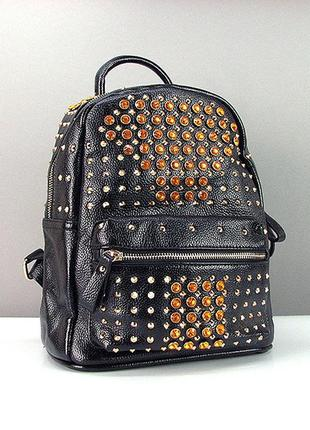 Женский городской рюкзак черный с шипами и стразами