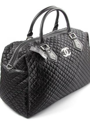 Черная дорожная сумка женская текстильная стеганая саквояж