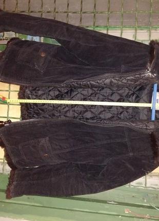 Курточка женская. Размер подмышками снаружи 50см.