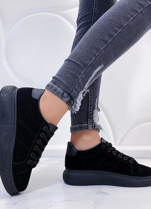 Чёрные замшевые кроссовки на платформе,чёрные замшевые кеды на...