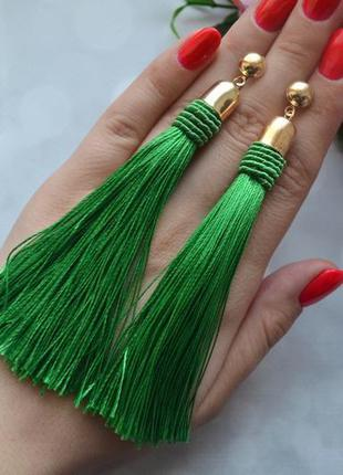 Длинные серьги-кисти зеленые